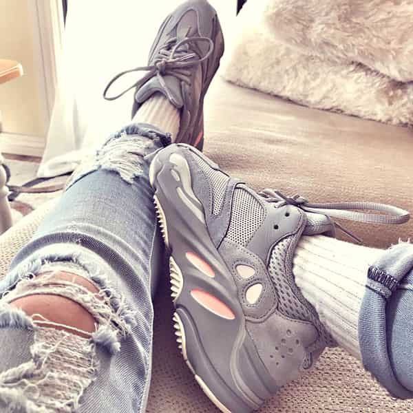 коллекция кроссовок yeezy boost 700